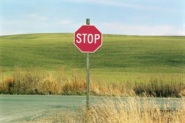 usa-washington-palouse-stop-sign-on-country-road-mel-curtis